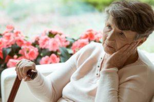 staršia žena