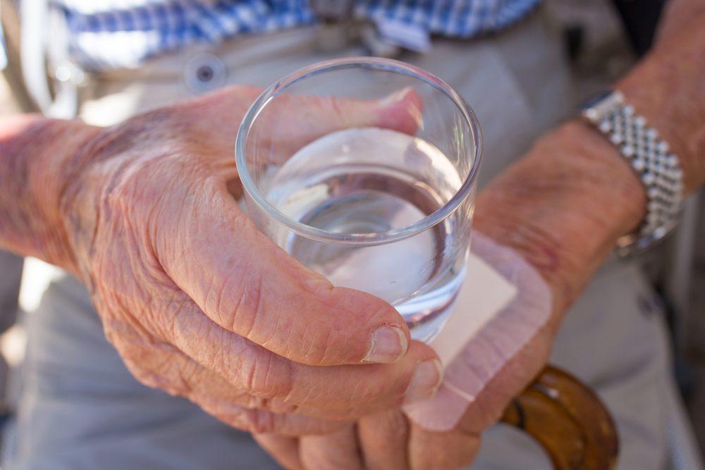 pitný režim u seniorov