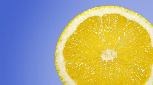 vitamín C - kyselina askorbová