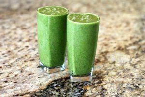 Smoothie nápoj zo zeleného jačmeňa