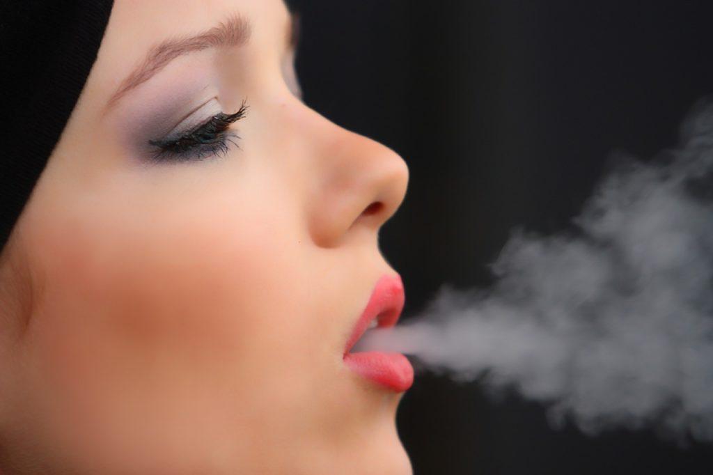 Zápach z úst. Príčina? Cigarety