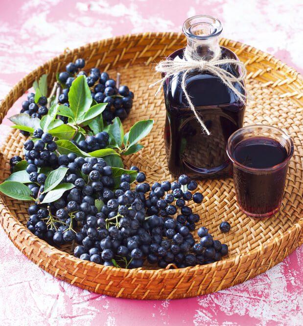 Arónia čiernoplodá šťava a plody