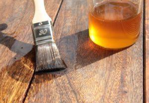 Ľanový olej na drevo