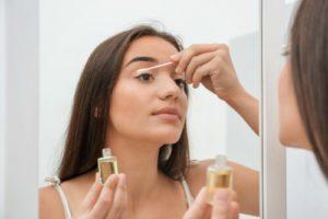 Ricinový olej, aplikácia na mihalnice (rast)
