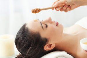 manuka med účinky na pokožku a tvárová maska