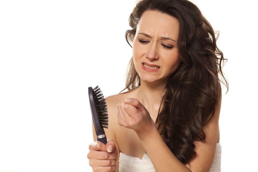 Vypadávanie vlasov u žien - príčiny