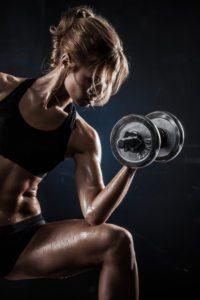Ako cvičiť s činkami v ženskom tréningu?