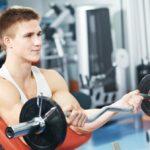 Vyberáme scottovu lavicu - vytvaruje biceps, ramená a predlaktia + porovnanie a test