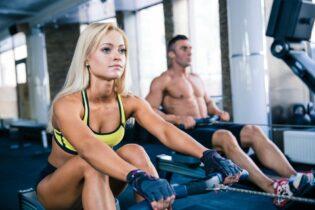 Cvičenie na veslárskom trenažéri je efektívne a spálite množstvo kalórií