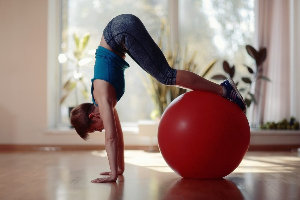 Ako efektívne cvičiť na fit lopte?