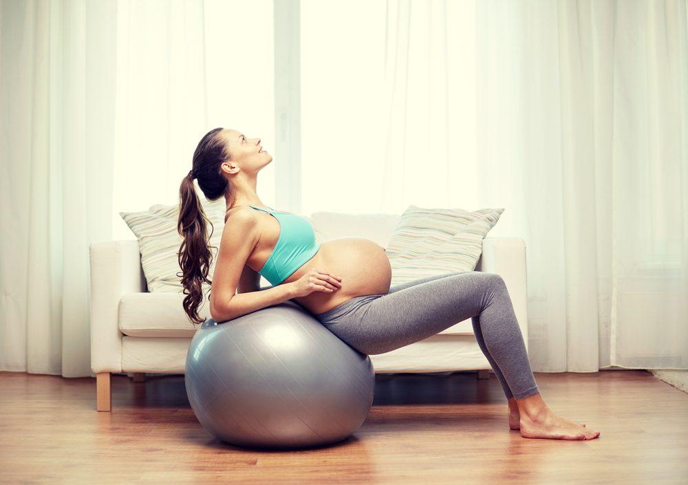 Cvičenie na fit lopte v tehotenstve