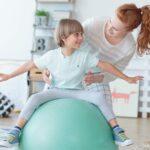Fit lopta a balančná podložka na efektívne cvičenie a rehabilitáciu v domácnosti - pre tehotné, deti aj seniorov