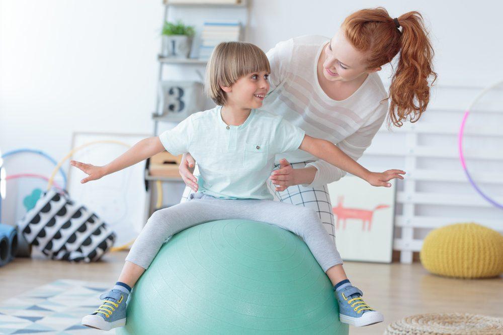 Cviky pre deti na fit lopte