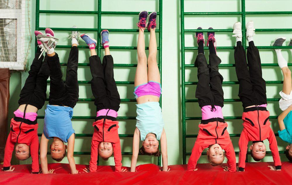 Cvičenie na rebrinách obľubujú aj deti