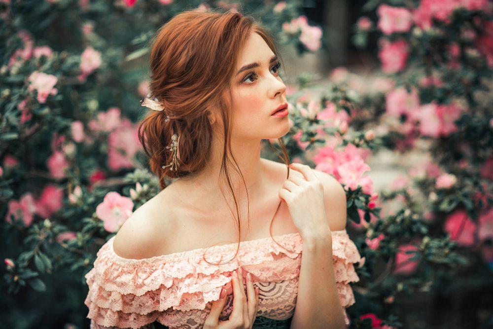 Lanvin Jeanne Lanvin je parfémovaná voda pre modernú romantičku, ktorá si vie užiť každú chvíľu svojho života.