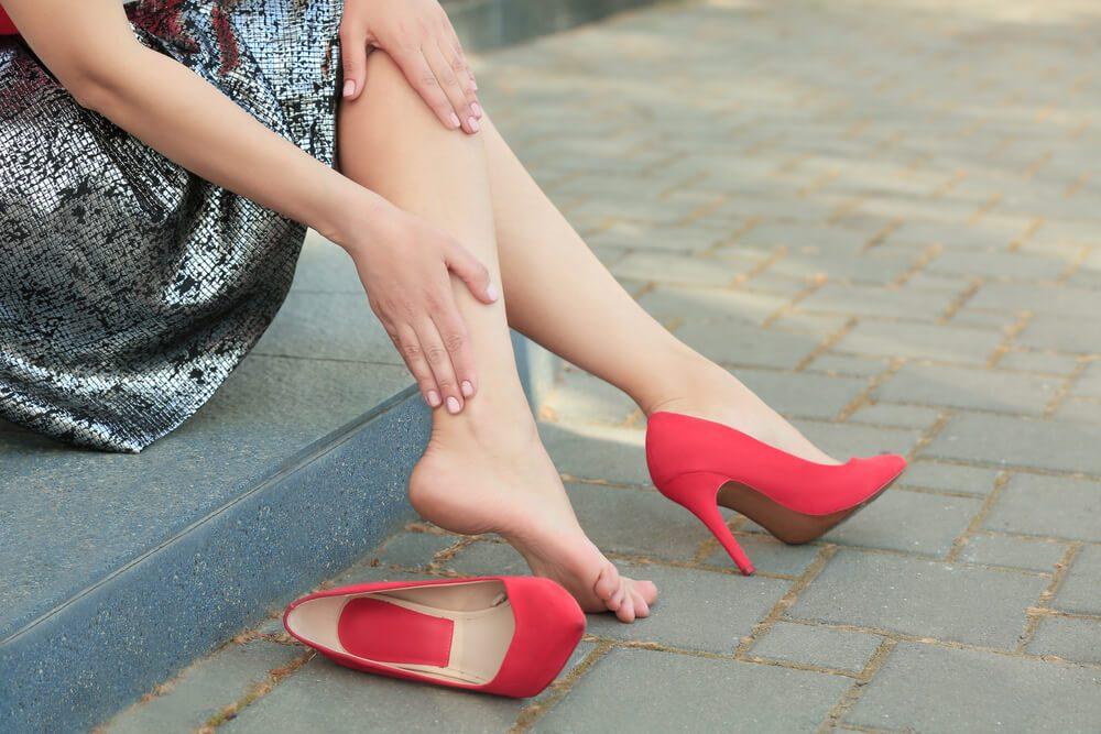 Nevhodná obuv je príčinou pre kurie oko.