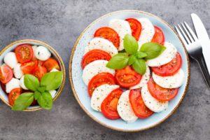 Šalát Caprese pri stredomorskej diéte