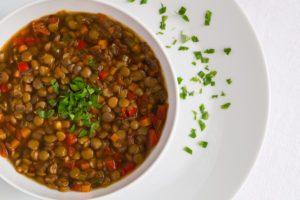 Šošovicová polievka pri stredomorskej diéte