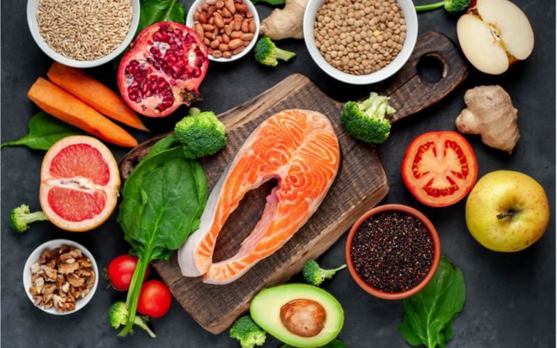 zelenina, ovocie, obilniny, losos - diéta pri mononukleóze