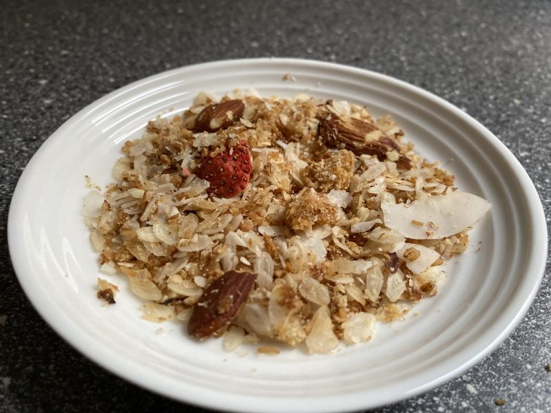 Granola na tanieri
