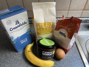 Mlieko, múka, cukor, banán,vajíčko, nátierka Powerlogy